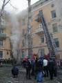 Тушение пожара и эвакуация жителей по пожарной лестнице, пожар на ул. Советская.