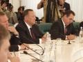 Госсовет. Губернатор Саратовской области Дмитрий Аяцков (слева) и губернатор Курганской области Олег Богомолов.